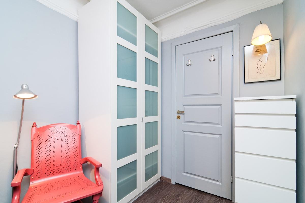 1 bedroom. Center. 10 min Hermitage