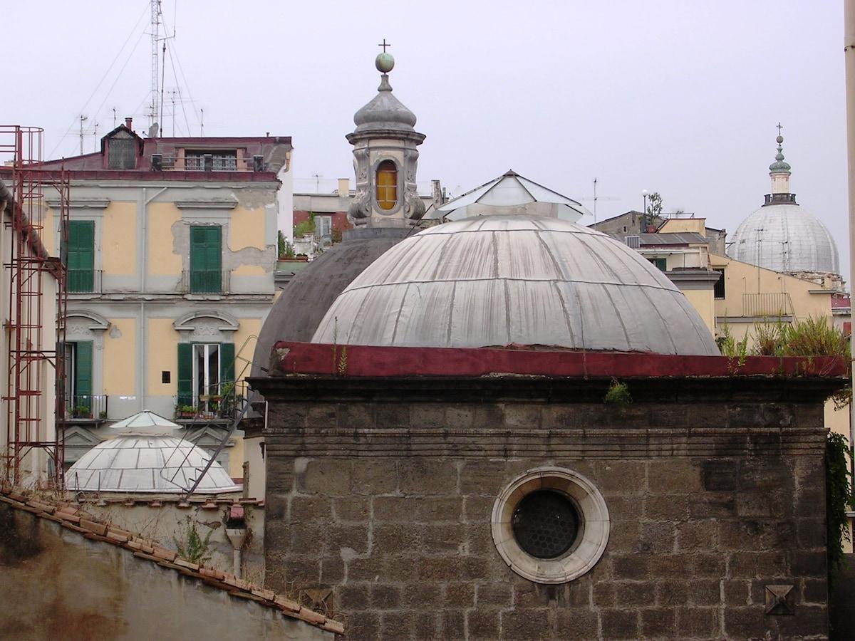 la vista dalla camera da pranzo - church's view from the dining room