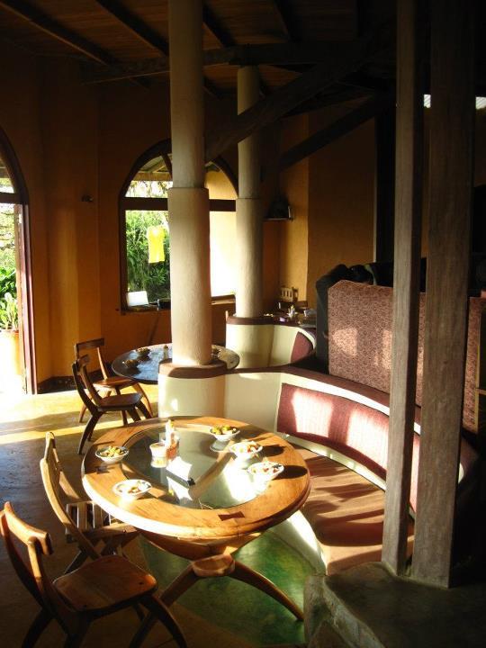 The dinning room, with a view - El comedor, con vistada