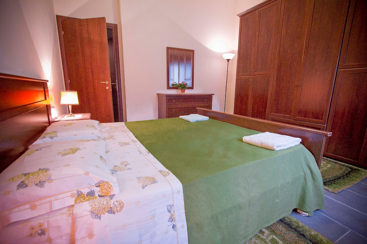 double large bedroom  warm and welcoming