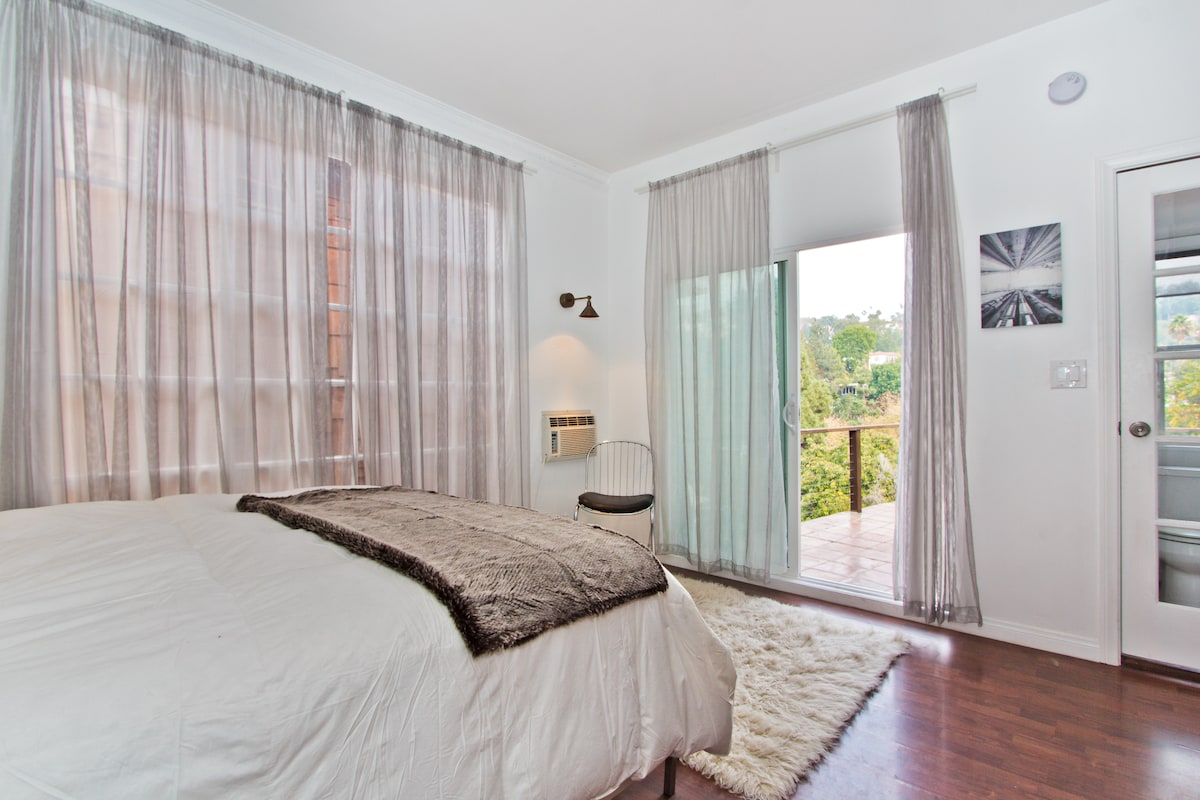 Master Bedroom over looking serene canyon views.