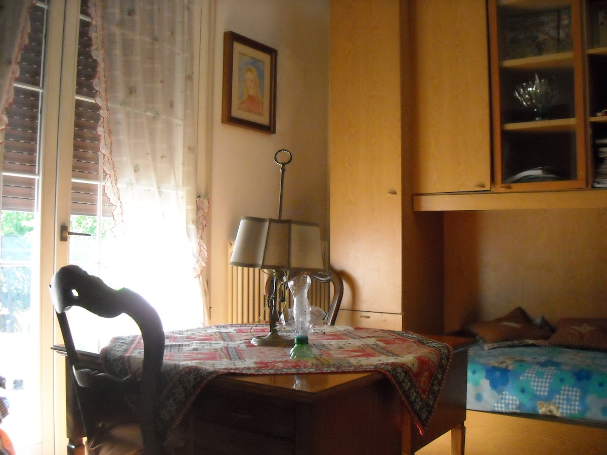 camera con due letti - room with two beds