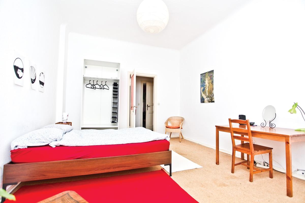 Lovely room in Kreuzkölln! [28m²]