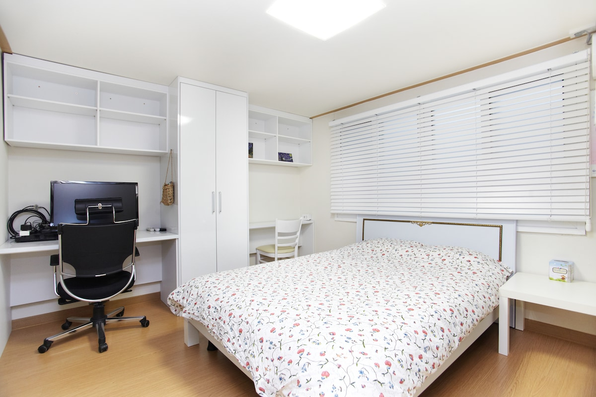 Central Gangnam nice entire flat302