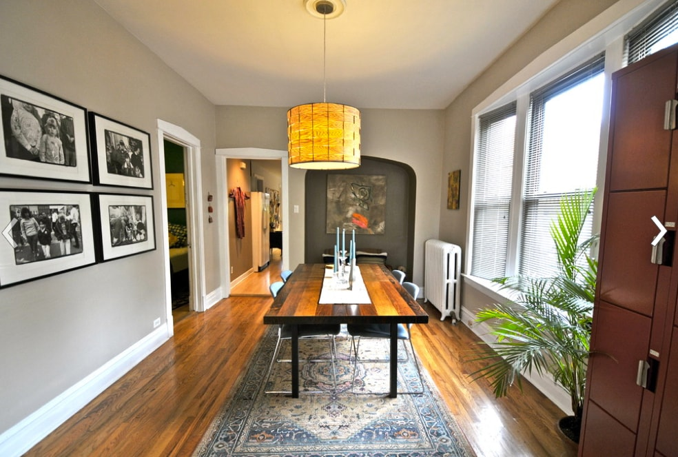 2/17: The dining room table expands to seat 10.