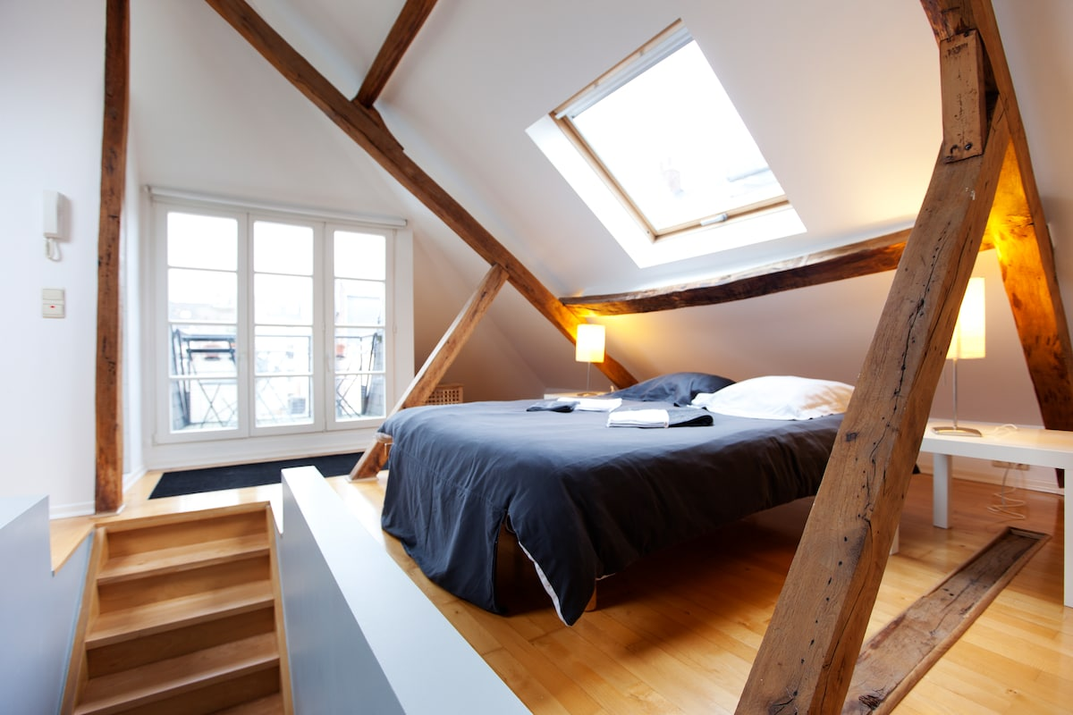 Stay in Brussels historical center