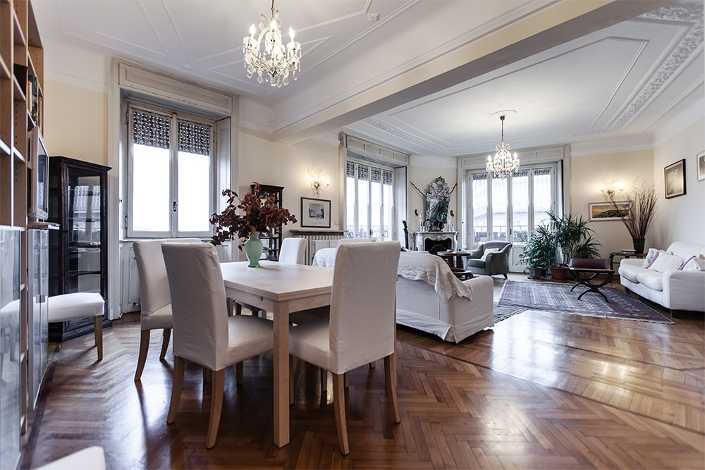 LUXURY AND SPACIOUS 4 BEDROOM LUX
