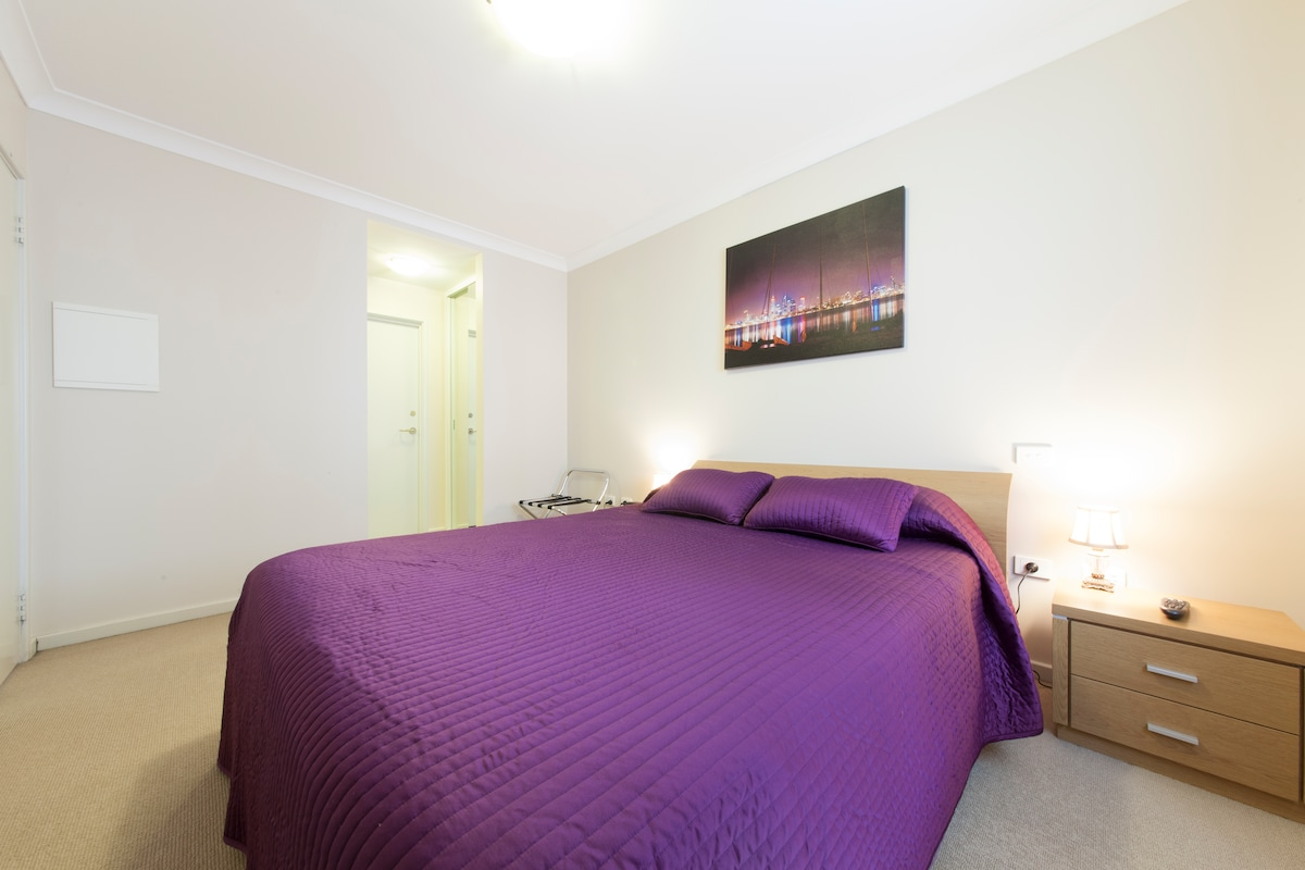 One Bedroom Apartment @ The Waldorf