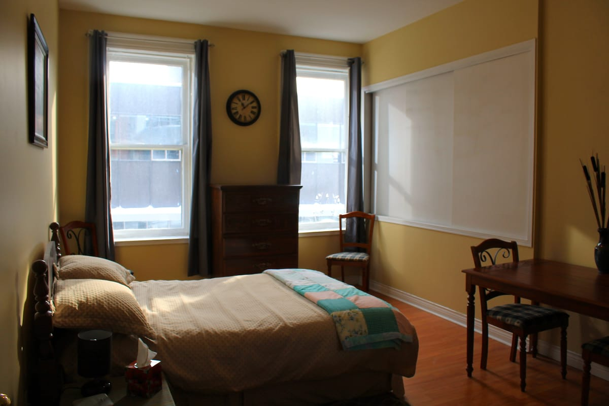 Large private bedroom downtown