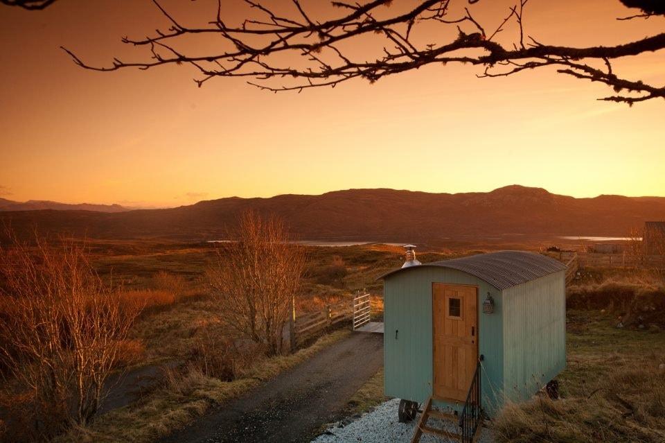 Bothan Beileag, Skye Shepherd Huts, Heaste, winter sunset.