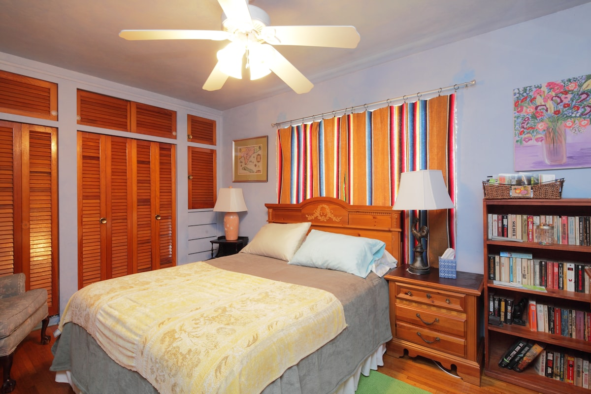 welcome to paradise guest bedroom
