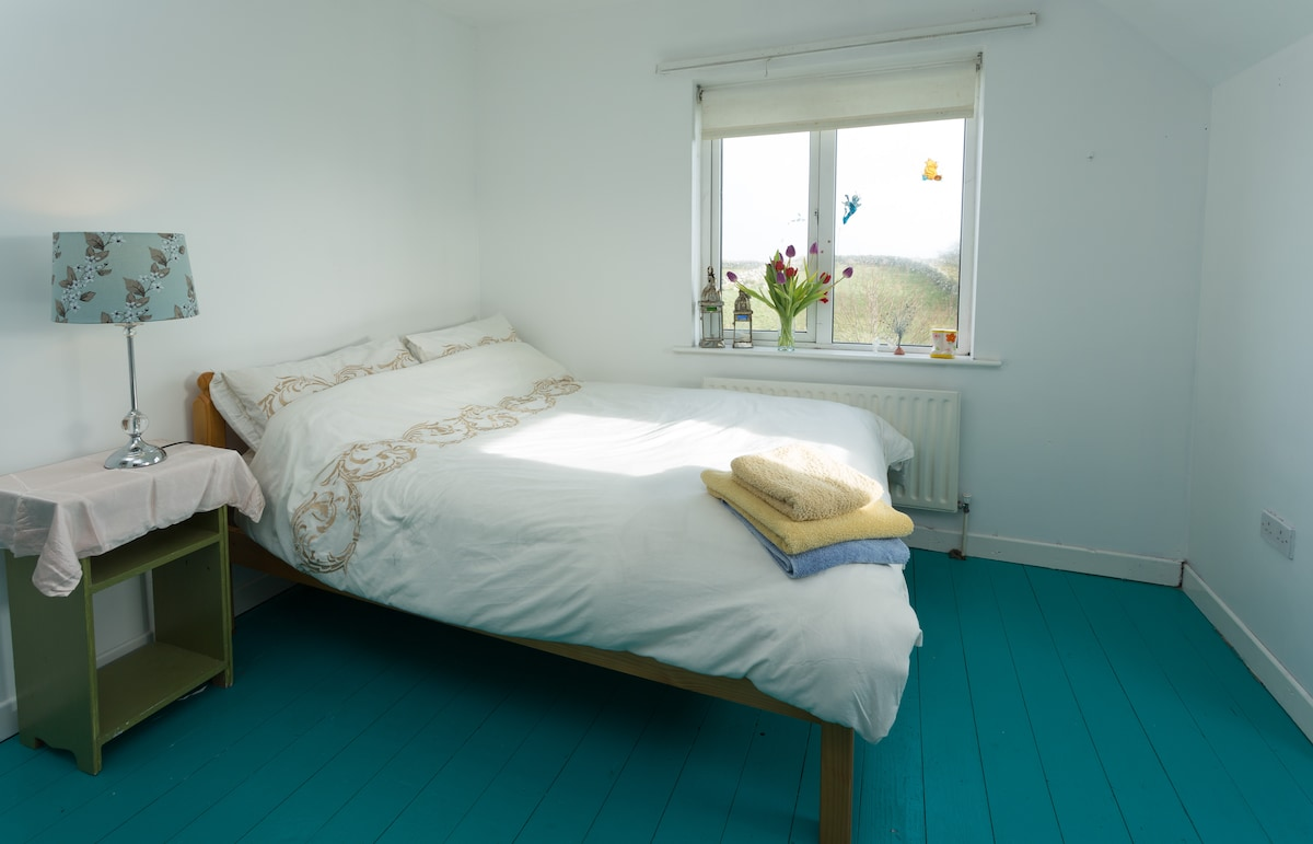 Soft bed in Connemara by the sea