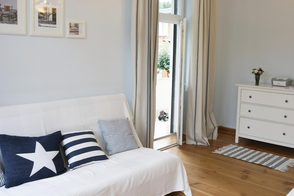 Charming Apt 100 m from the Beach