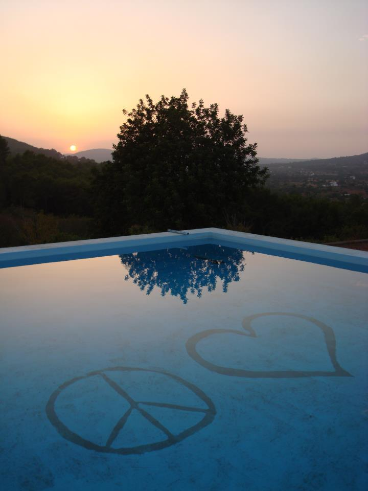 peace & love sunset pool 2012
