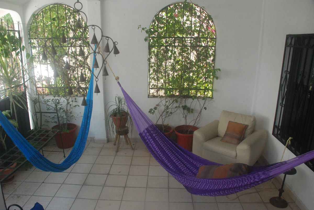 Hamacas' Patio , great place to relax, close to the sea and close to Isla Mujeres!!!