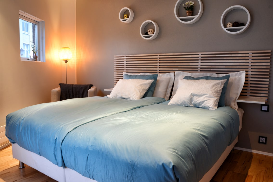 The bedroom can be made as twin or double