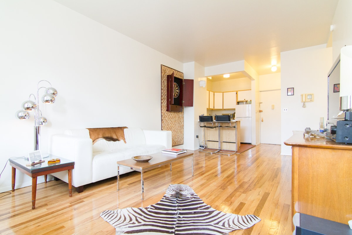 CLEAN RETRO 1BR APT | EAST VILLAGE