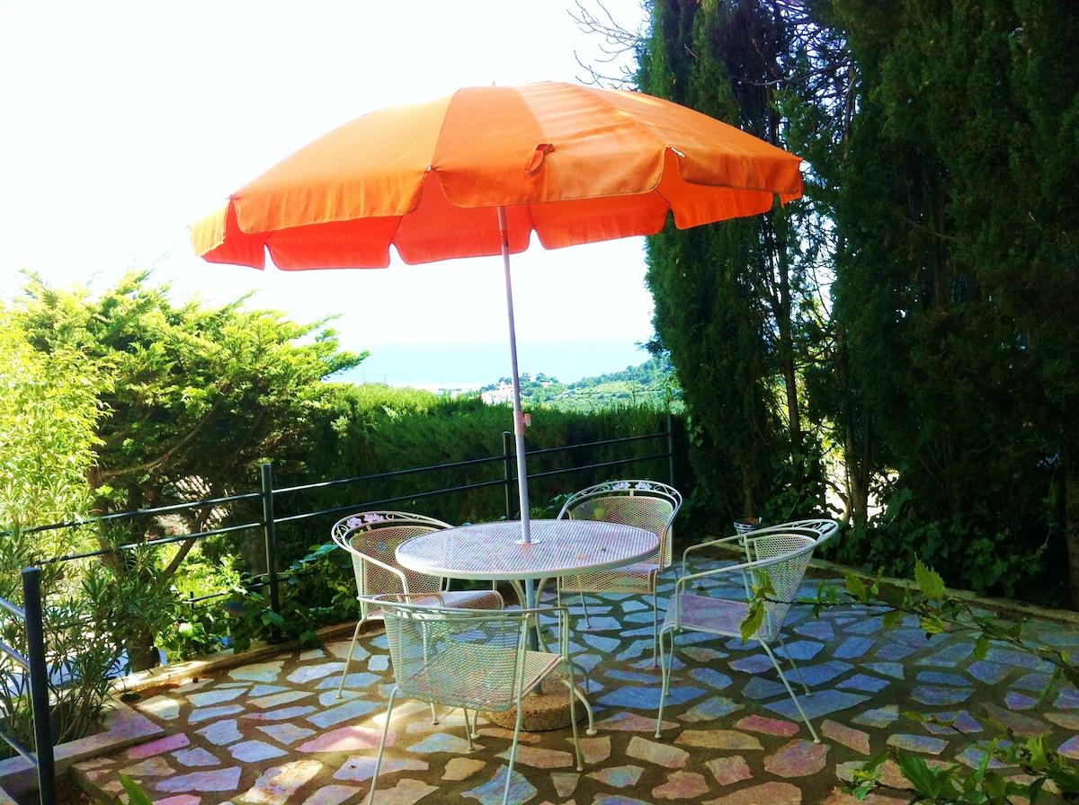 Studio in private villa with view