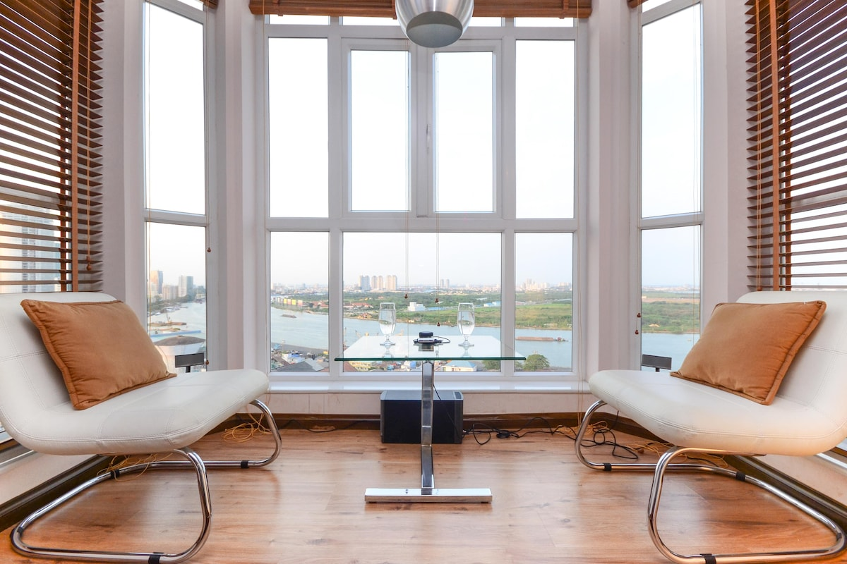 Actual day view - capture entire Saigon River and CBD's towers - View from sunroom