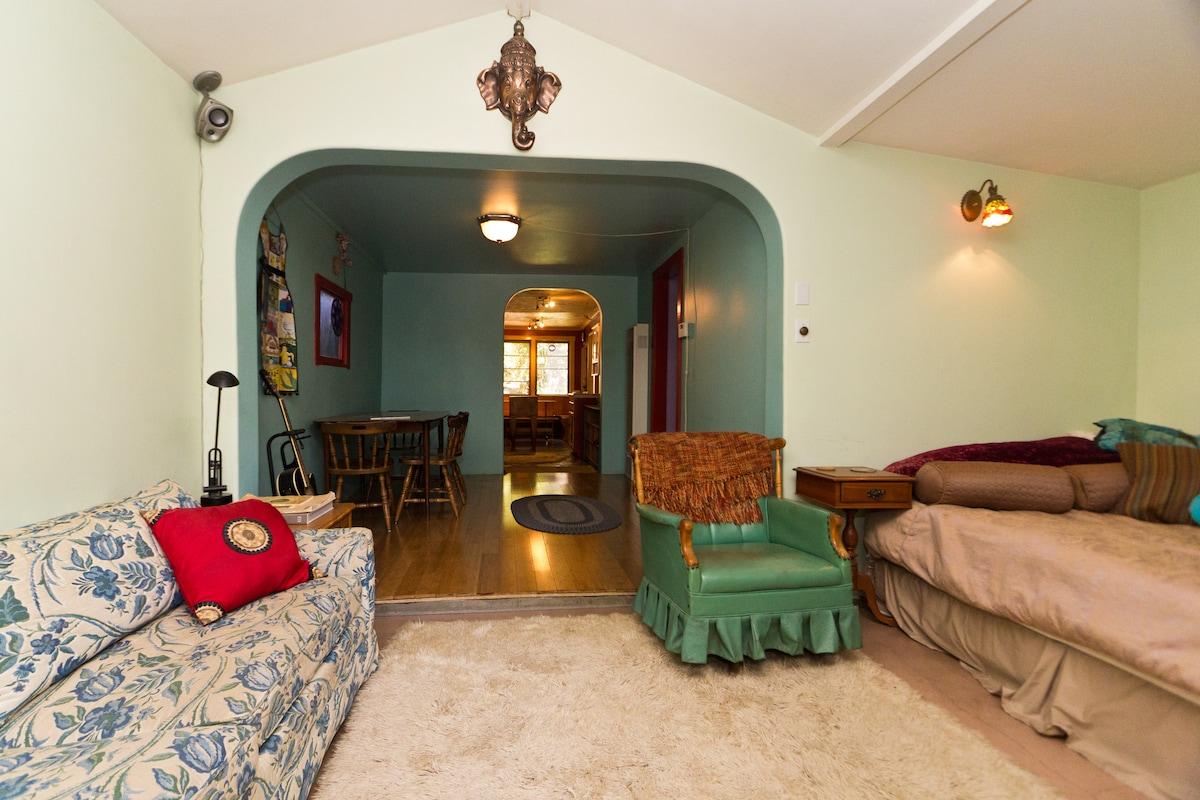 Meiners Oaks Retreat - House