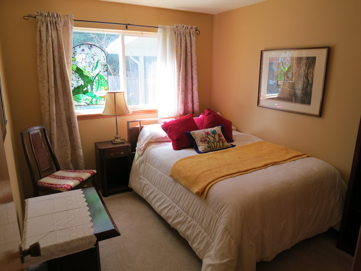 Private Room, Standard Full Double Bed and Stained Glass