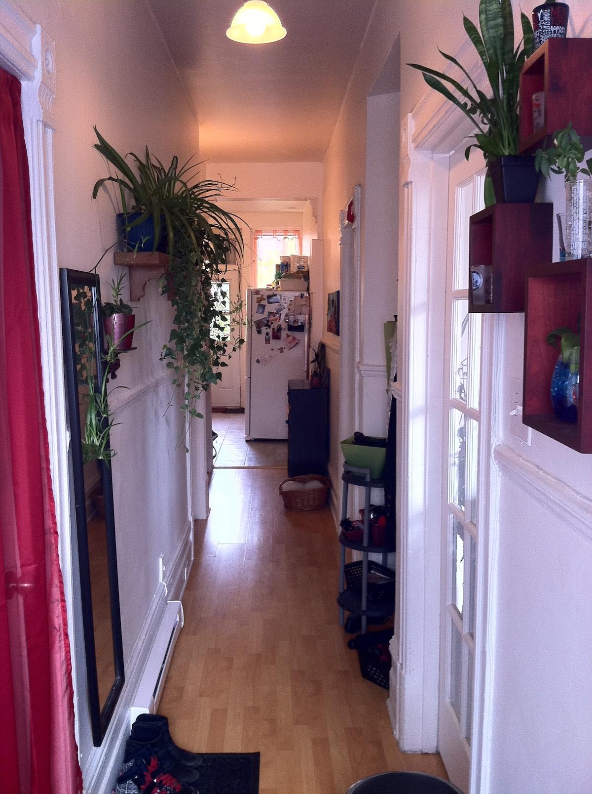 Here is the entry: Welcome home! - Voici l'entrée: Bienvenue chez moi!