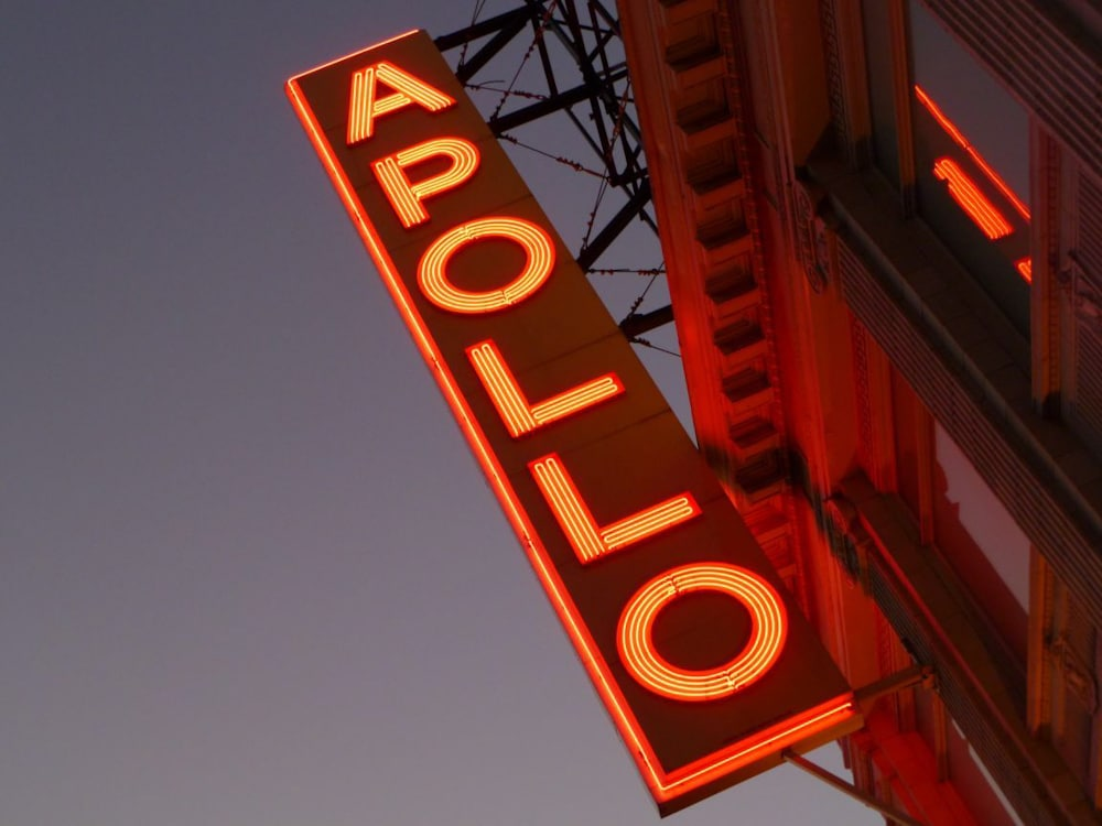 5 minute walk to the historic Apollo theater