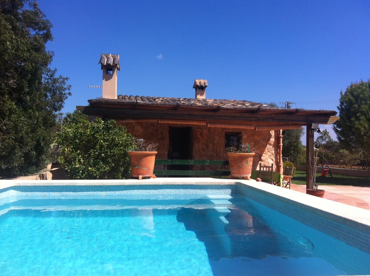 Casa de campo con encanto y piscina en llucmajor for Casas de campo con piscina