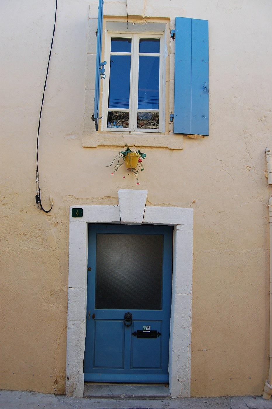 Quaint Pouzolles townhouse