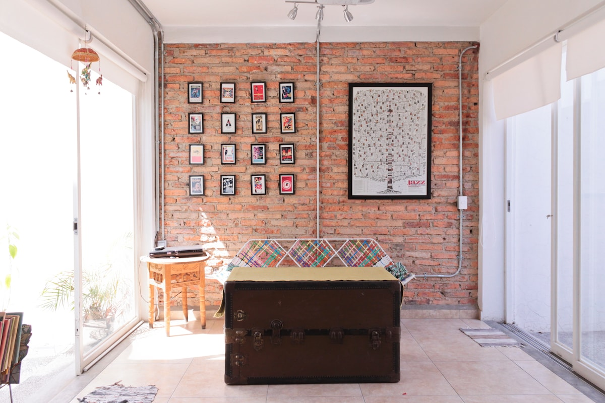 Salita privada /Private mini-living room (uso del huésped únicamente / for guests only - non shared)