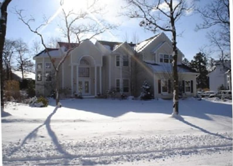 House in winter. Sorry, we don't have a photo in summer; too busy at the beach : )