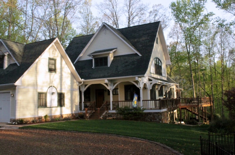 Beautiful Secluded Home On Lake In Estill Springs