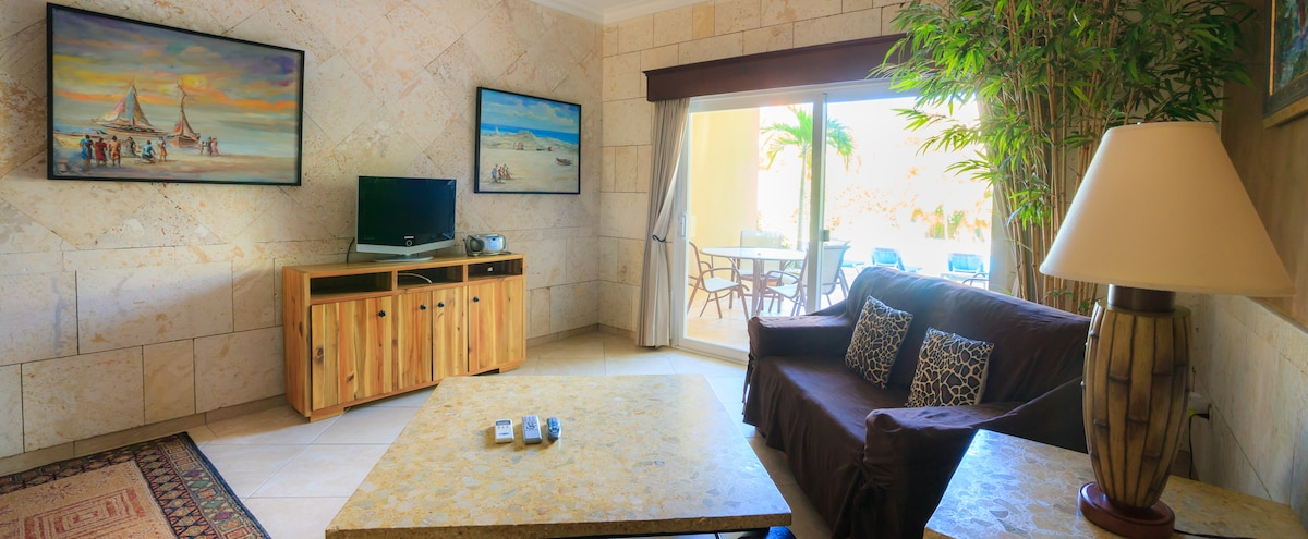 OCEAN DREAM BEACHFRONT 2bdr/2bth