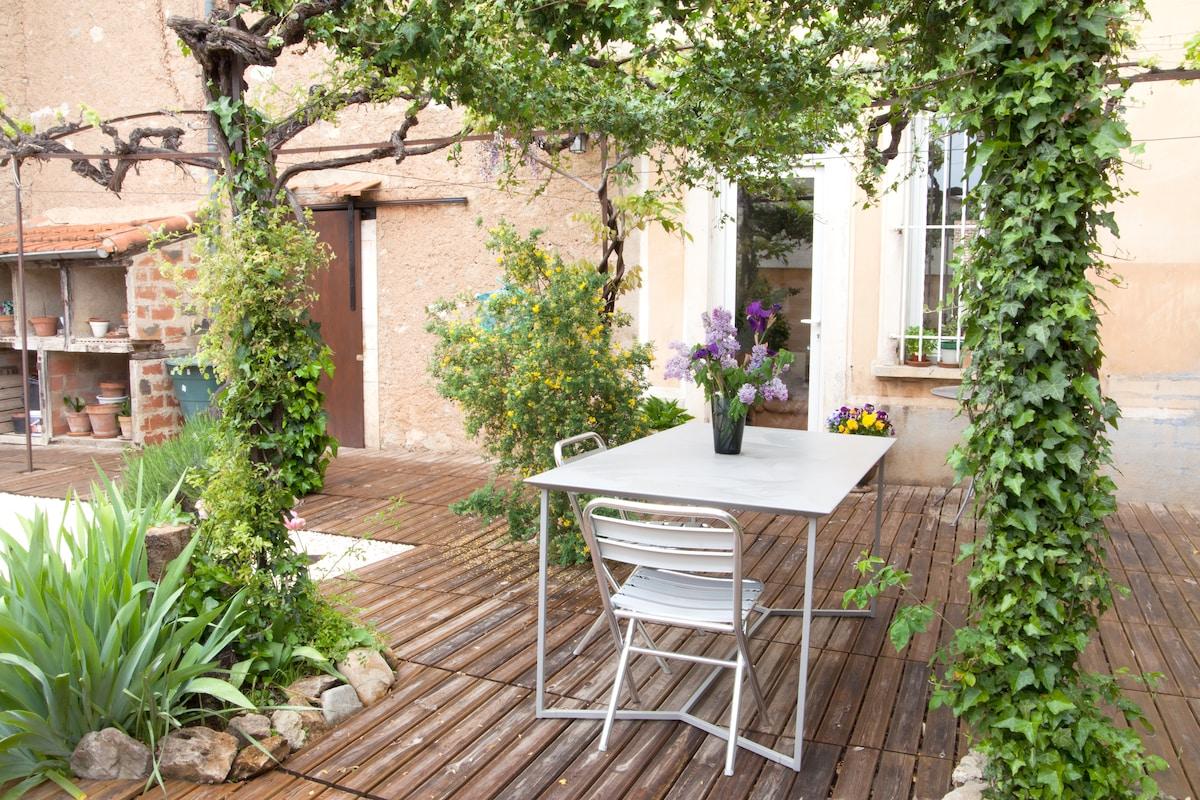 """""""Chez Noeleen"""" Old Winemakers House"""
