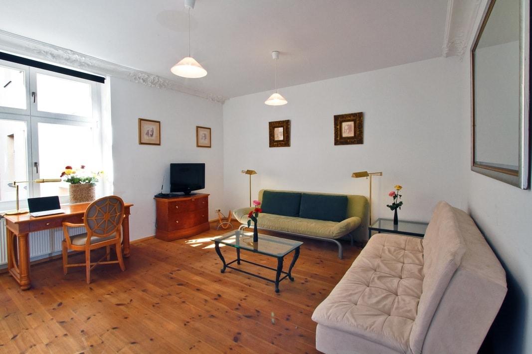 alte sch nhauser lux berlin mitte in berlin. Black Bedroom Furniture Sets. Home Design Ideas
