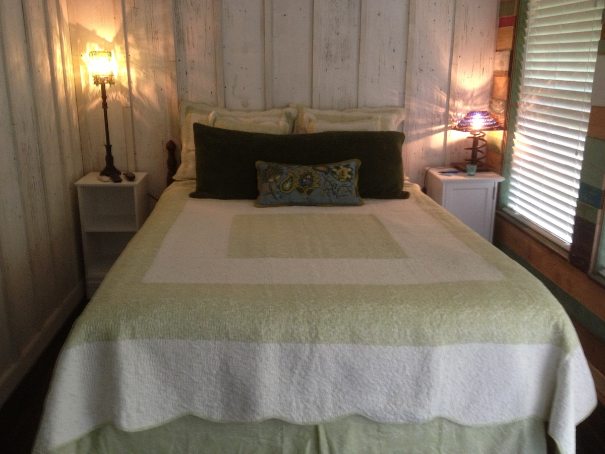 Relax in your comfy queen bed, watch the flat screen TV or just enjoy the view!