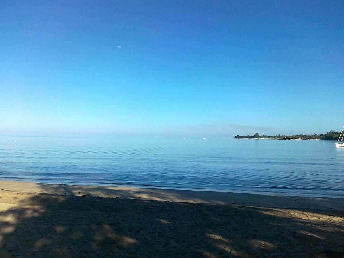 Tamarin Bay early in the morning