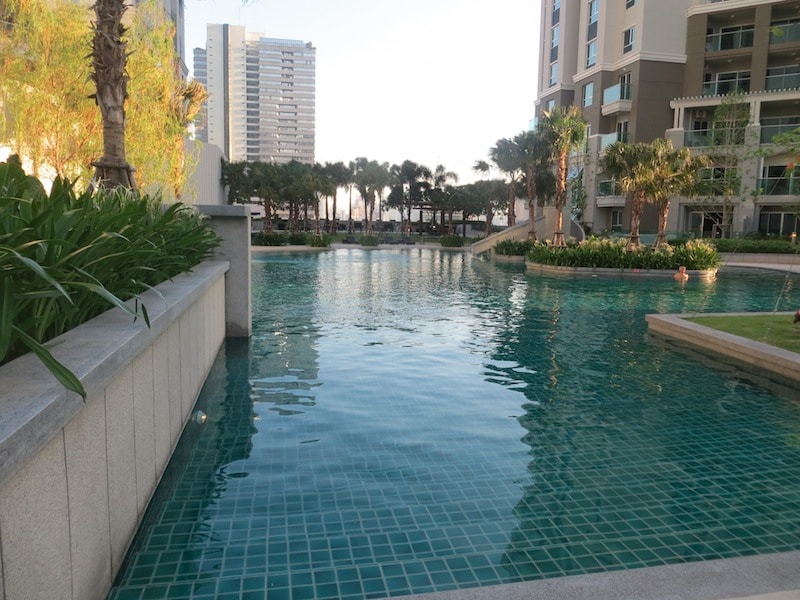 Brand New, 2bdrm, MRT, WiFi, Pool