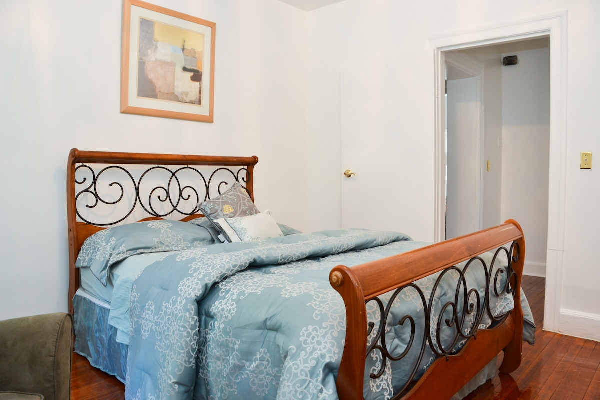 WELL DECORATED #2 BEDROOM WITH  QUEEN SIZE BED