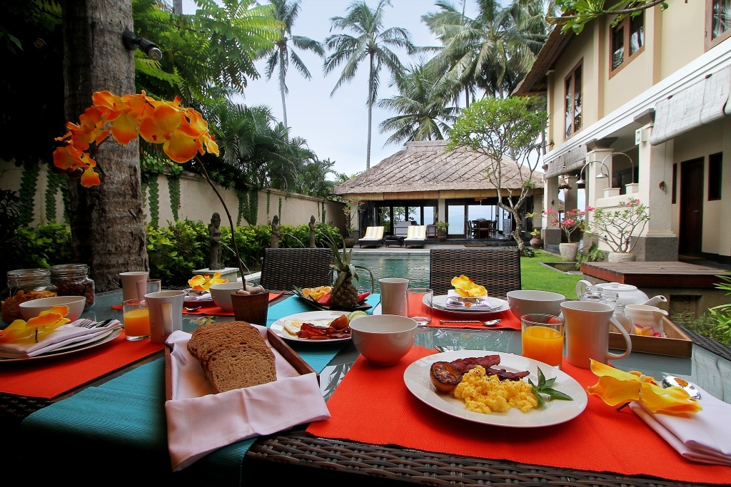 Full breakfast by the pool is included in the rates