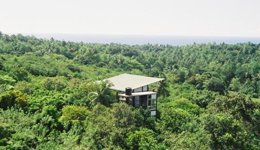 tree house bw galle and the beach in unawatuna. Black Bedroom Furniture Sets. Home Design Ideas