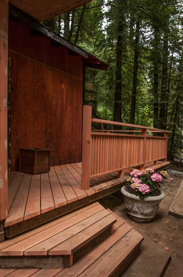 Nestled in the redwoods, your quiet home away from home awaits. (entrance from the drive/parking)