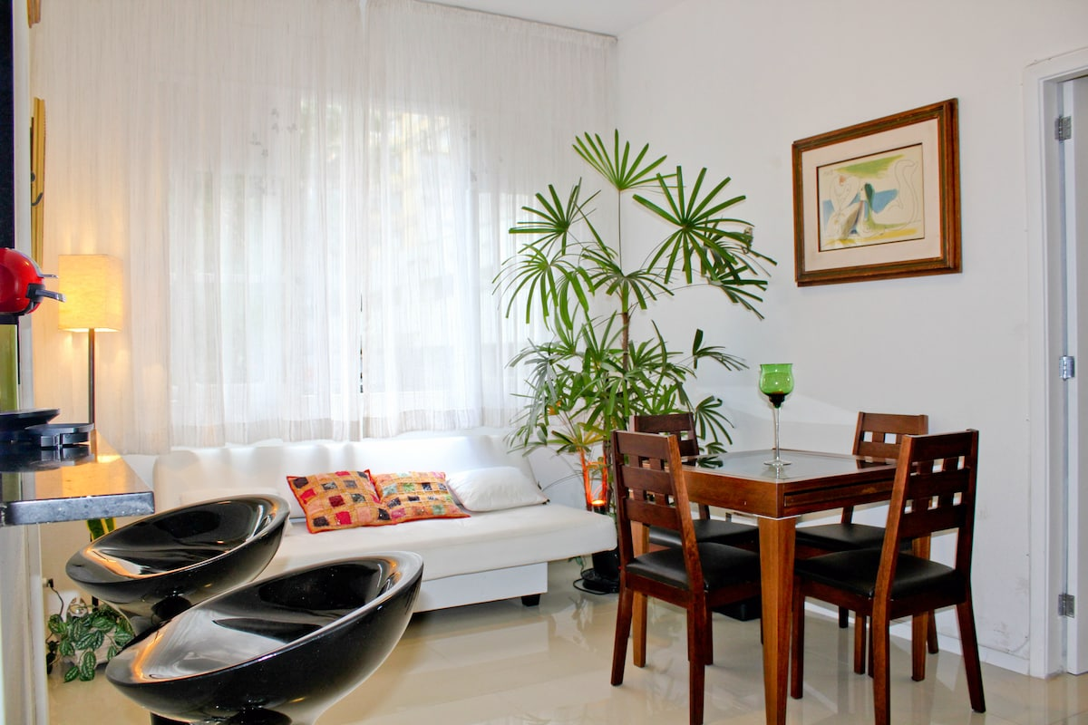 Charming apartment at Ipanema beach