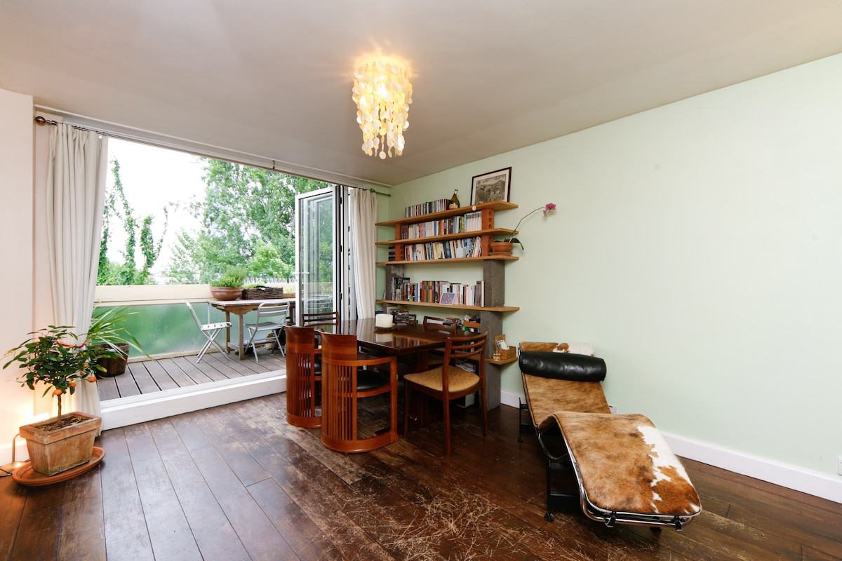 Living room. Folding doors lead out to the terrace