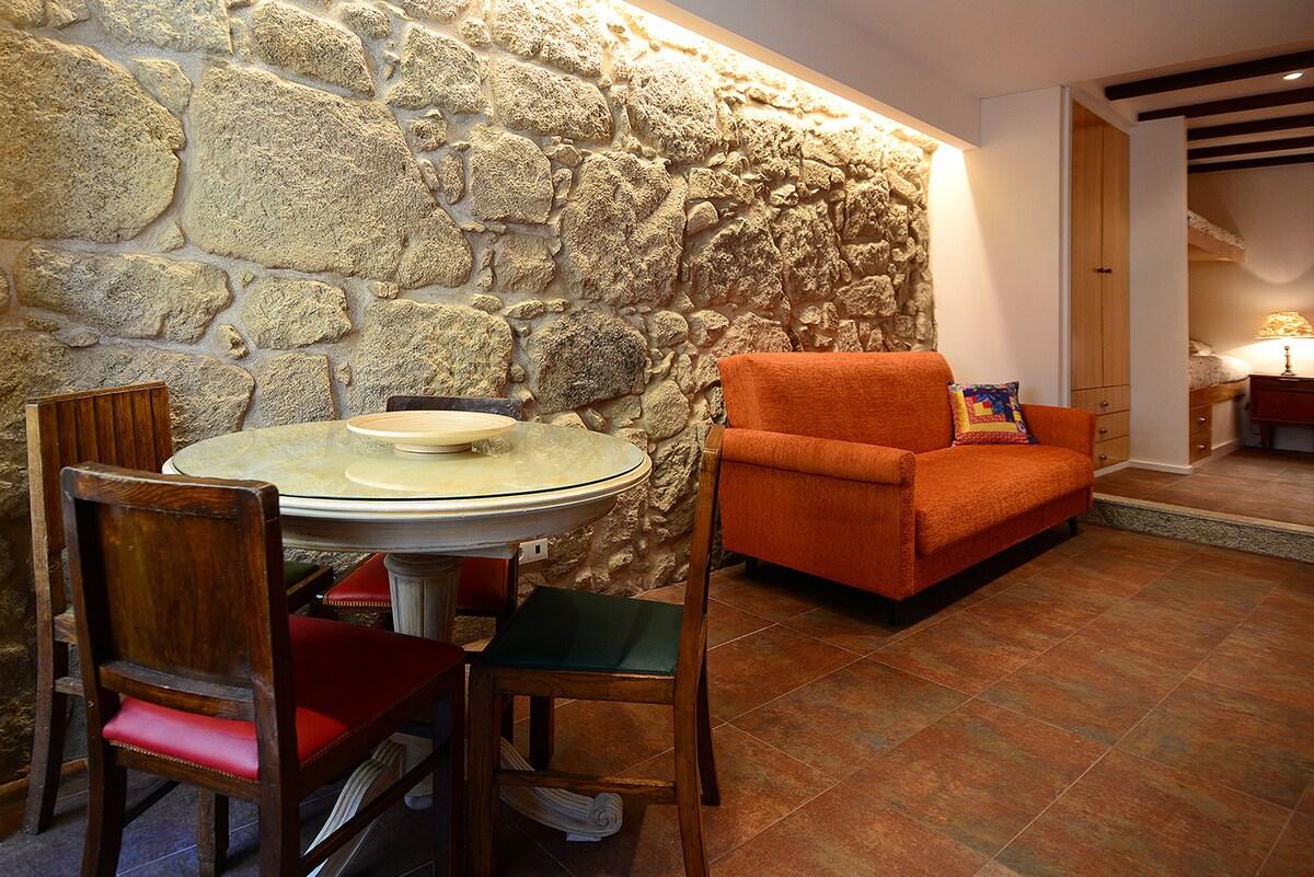 sala com mesa de refeições