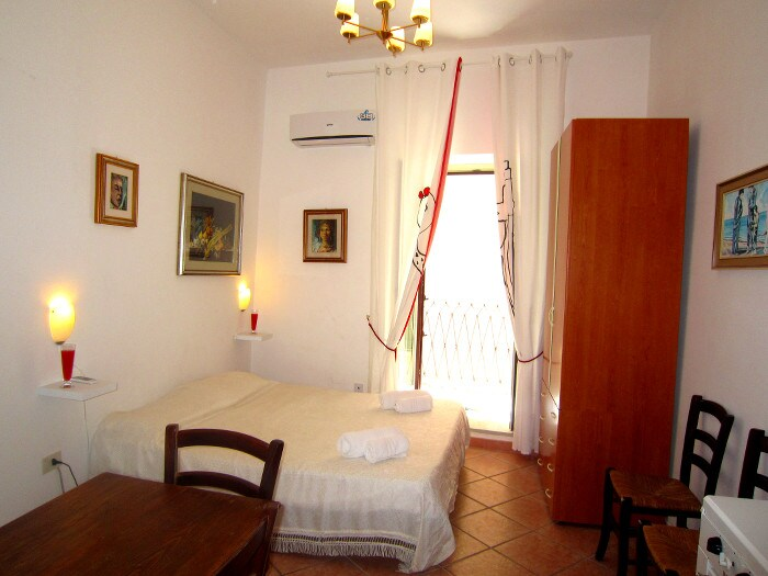 studio at second floor, with air condition and free WiFi
