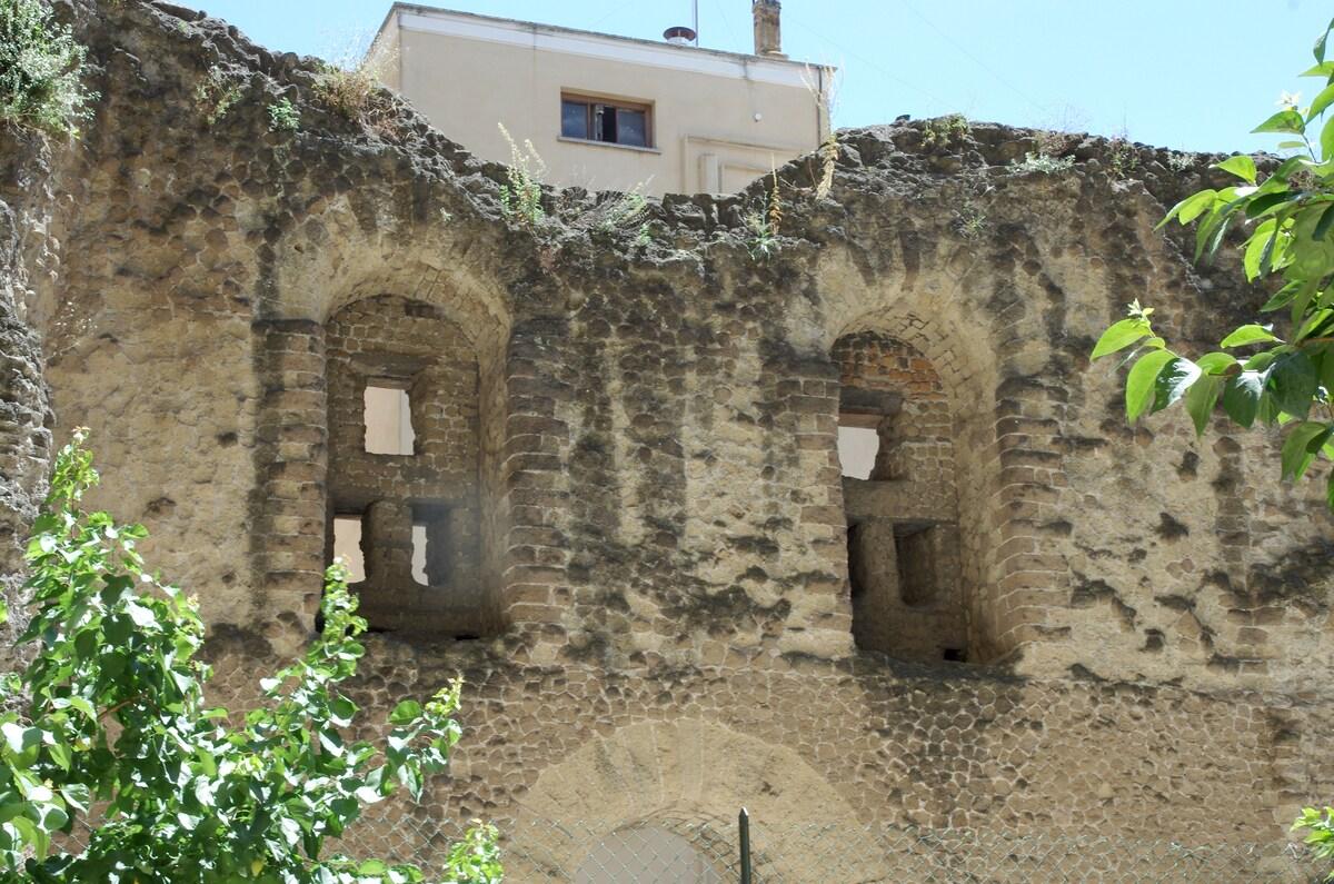 The Porticus Aemilia ruins