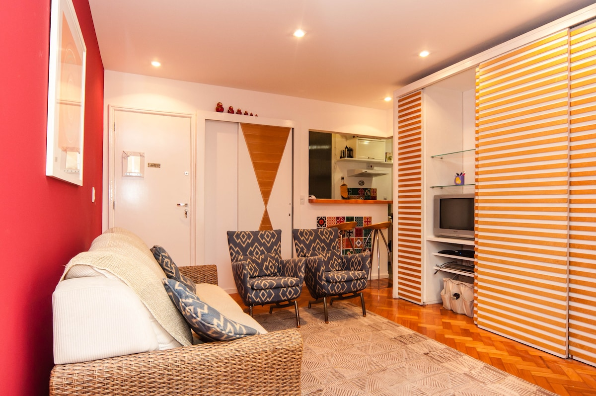 Welcome to my cosy flat close to Ipanema beach.