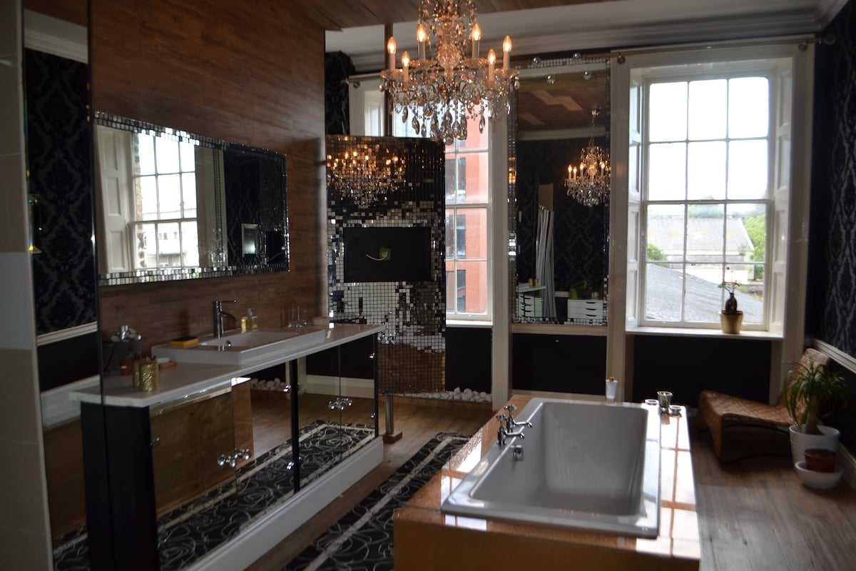 Bathroom with chandelier