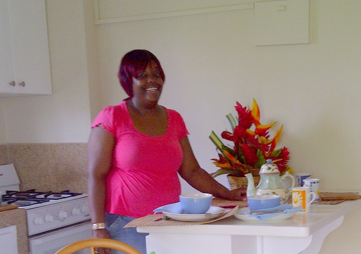 Housekeeper Leba  - a smiling face awaits you.  Leba will change the bed linen for you.  (If you would like to taste a home cooked Grenadian meal this can be arranged privately with Leba.)